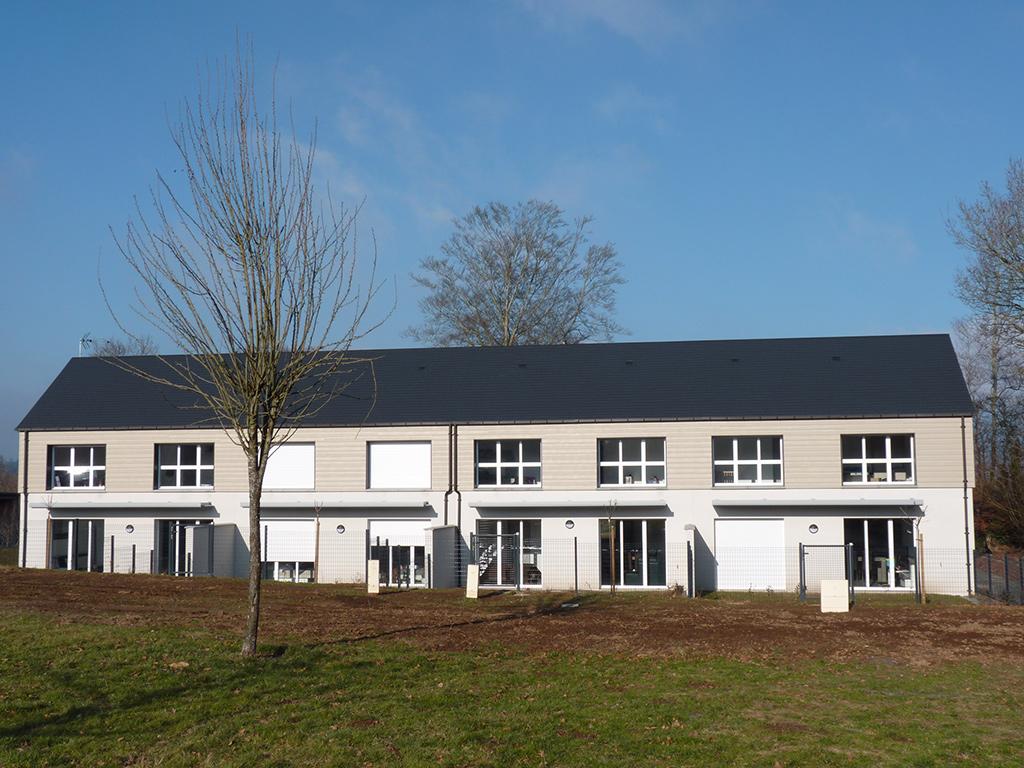 Inauguration logements chanu un logement dans l 39 orne for Entretien exterieur locataire