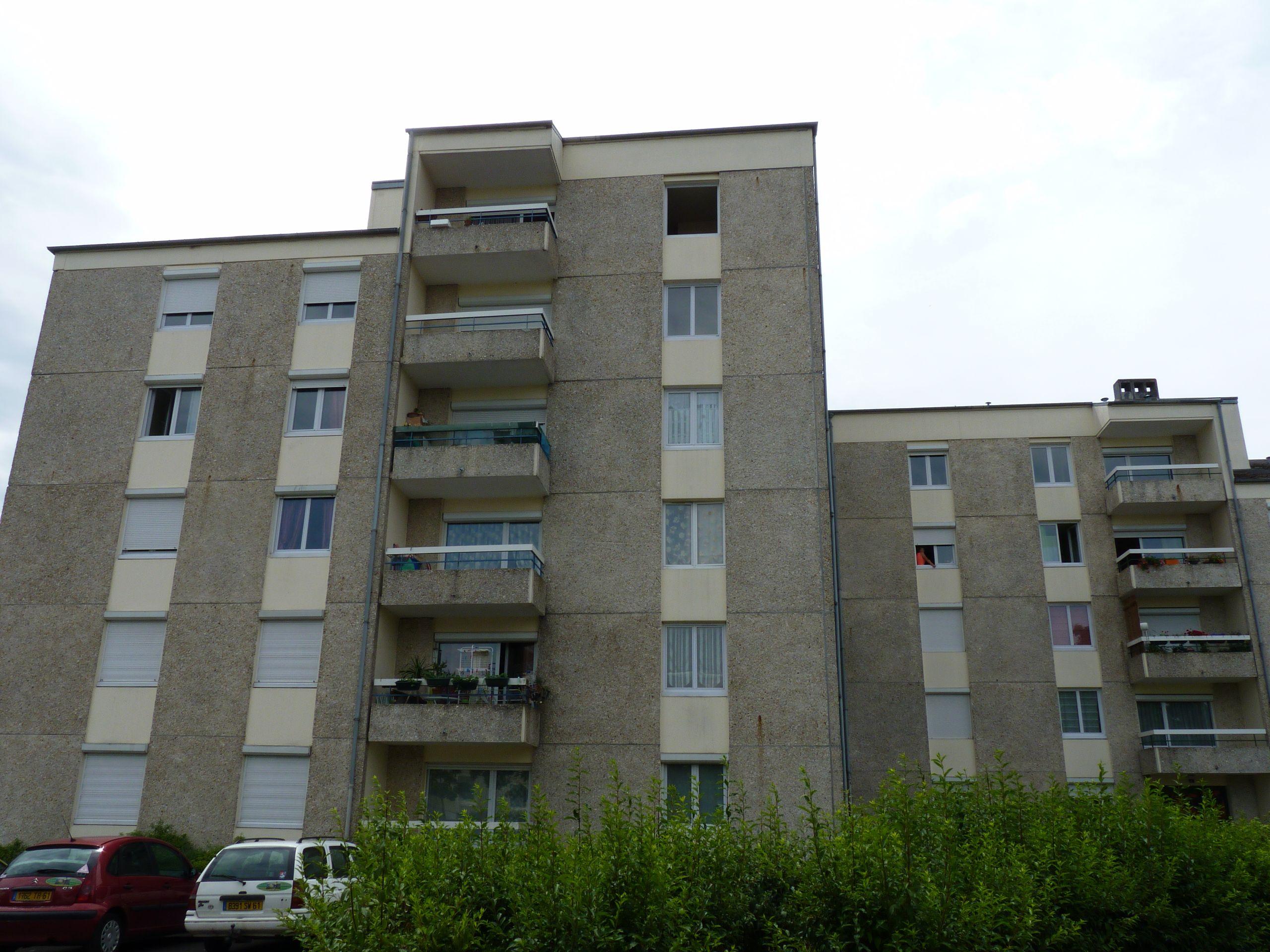 Logement argentan locataion appartement t5 for Entretien exterieur locataire