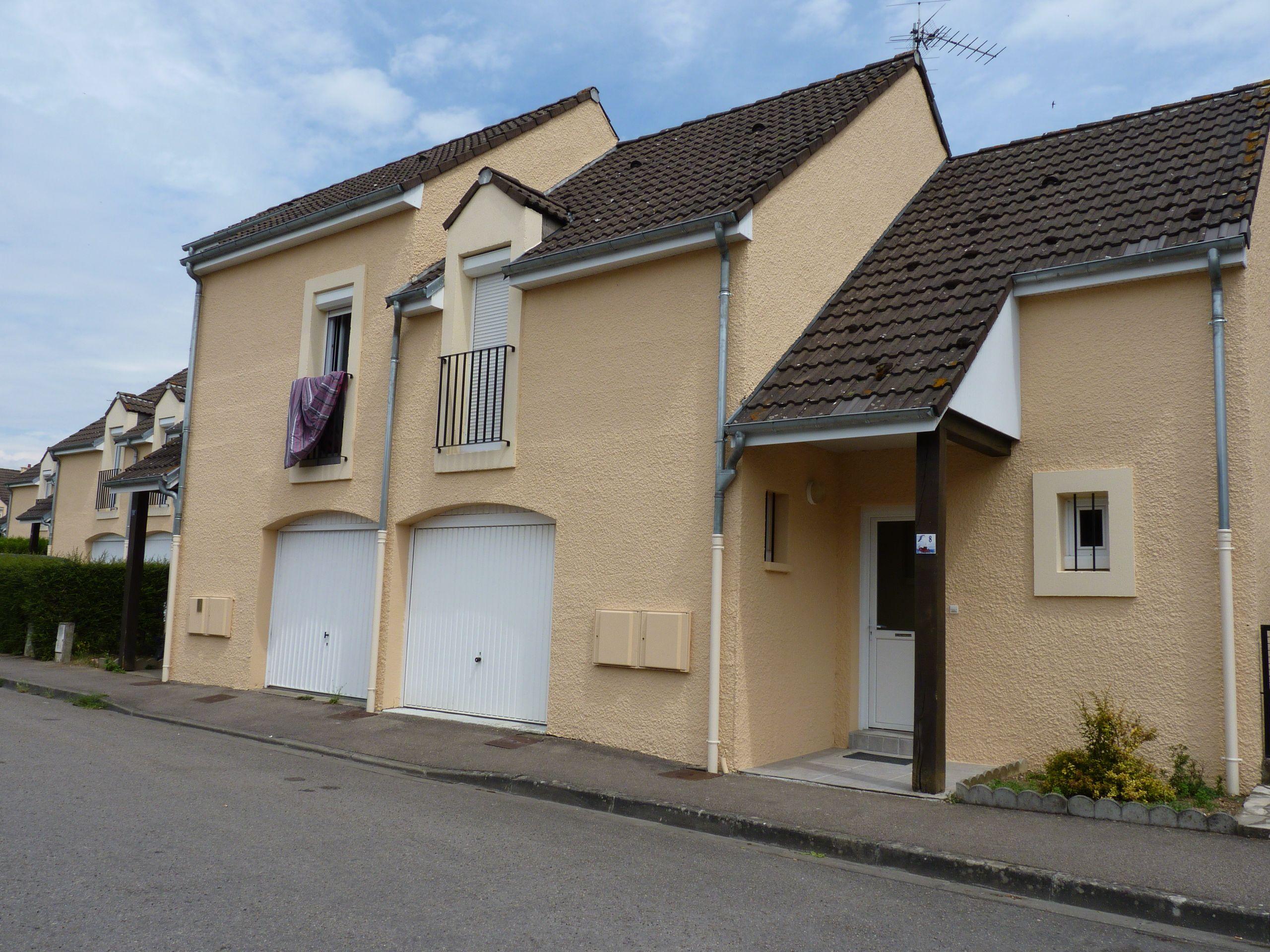 Logement argentan locataion maison t4 orne for Entretien exterieur locataire