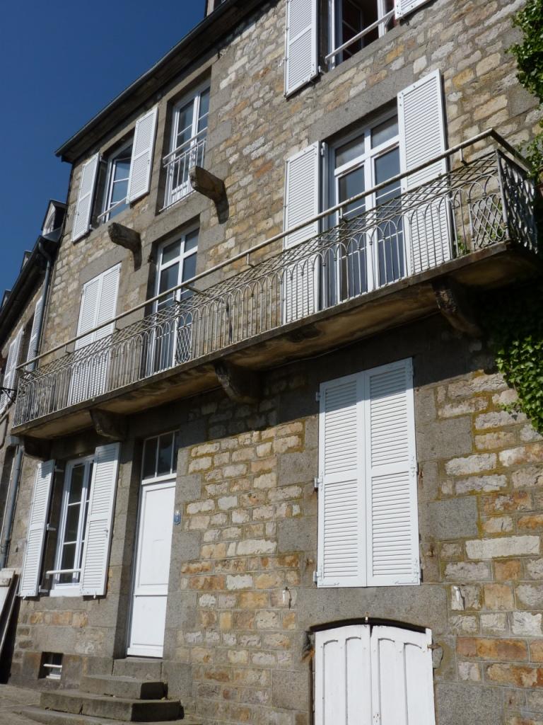 Logement domfront locataion appartement t1 for Entretien exterieur locataire