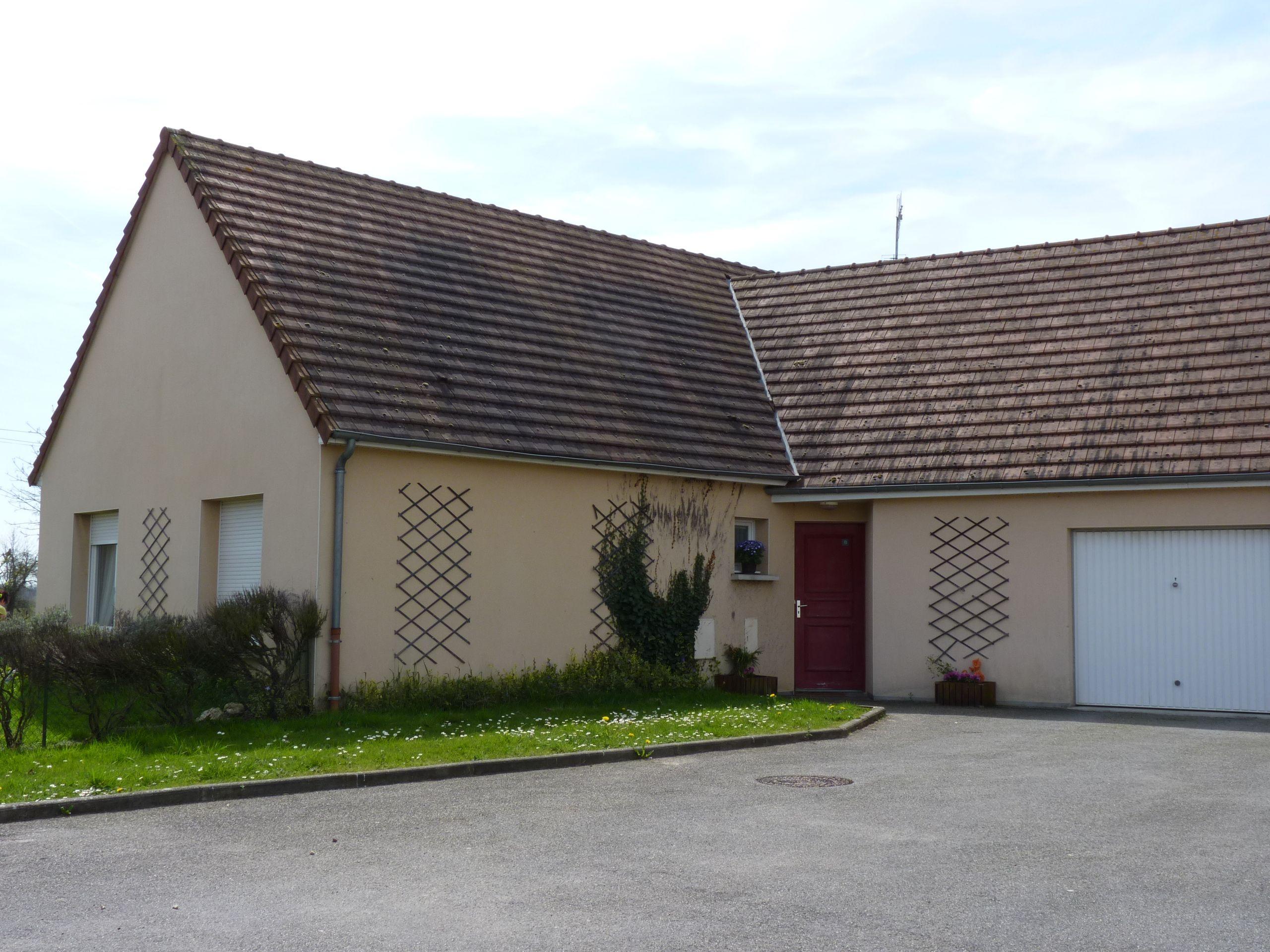 Logement le theil sur huisne locataion maison t4 83 for Entretien exterieur locataire