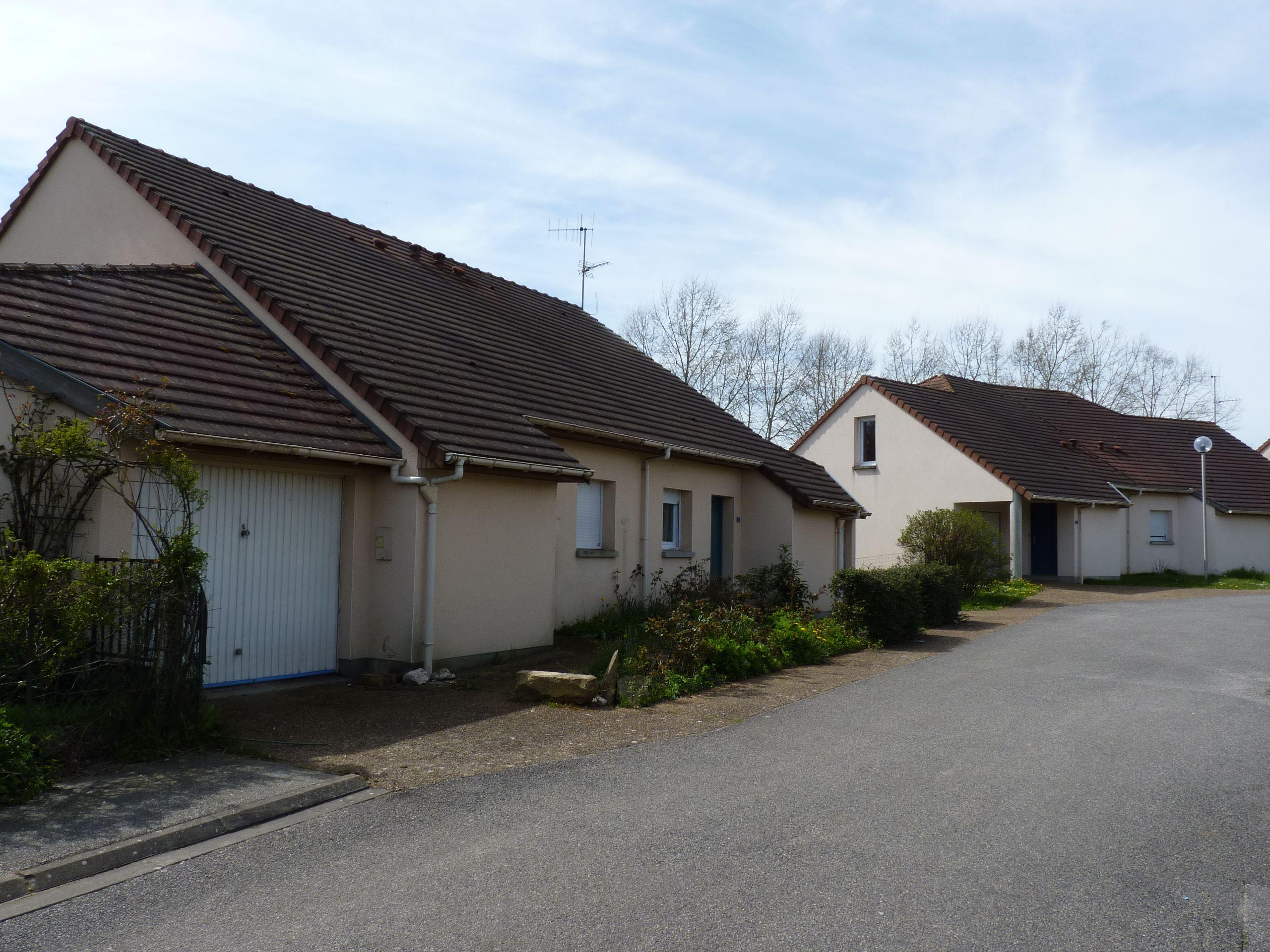 Logement le theil sur huisne locataion maison t4 88 for Entretien exterieur locataire