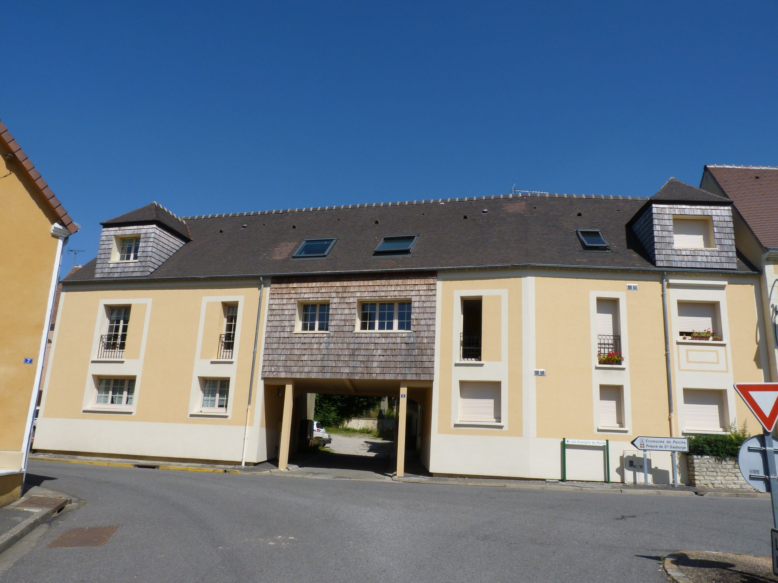 Logement pr aux locataion appartement t1 for Entretien exterieur locataire