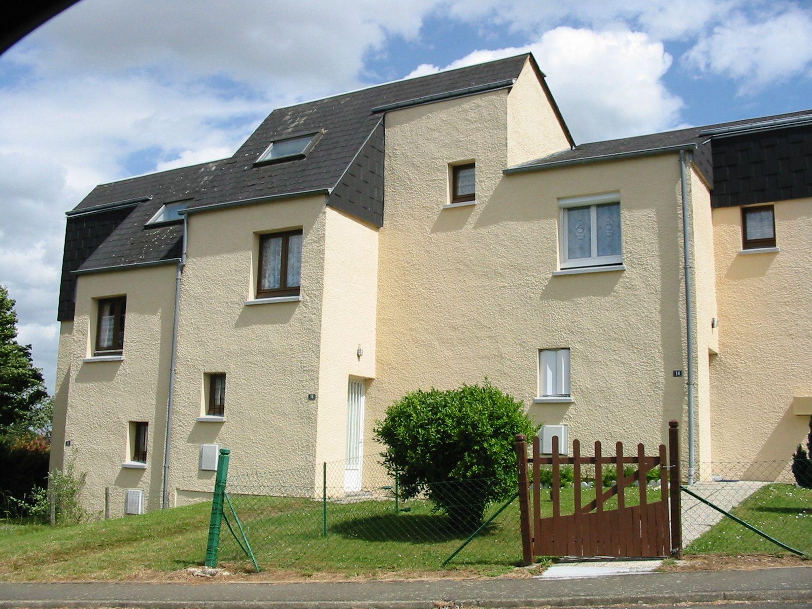 Logement saint germain du corbeis locataion maison t5 for Entretien exterieur locataire