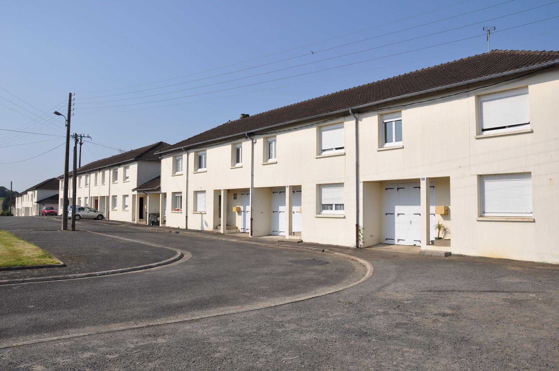 Logement tinchebray locataion maison t4 orne for Entretien exterieur locataire