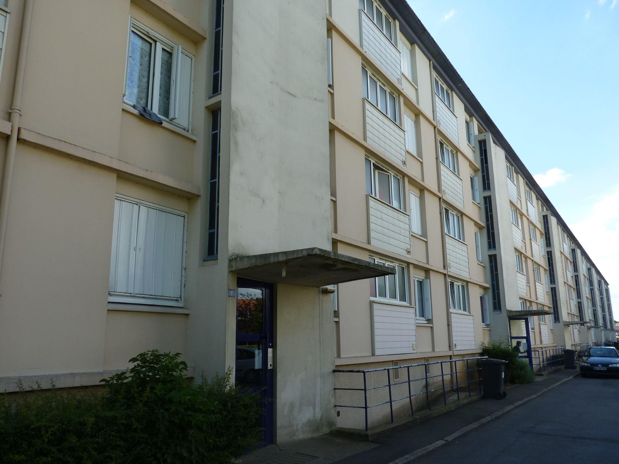 Logement alen on locataion appartement t4 for Entretien exterieur locataire