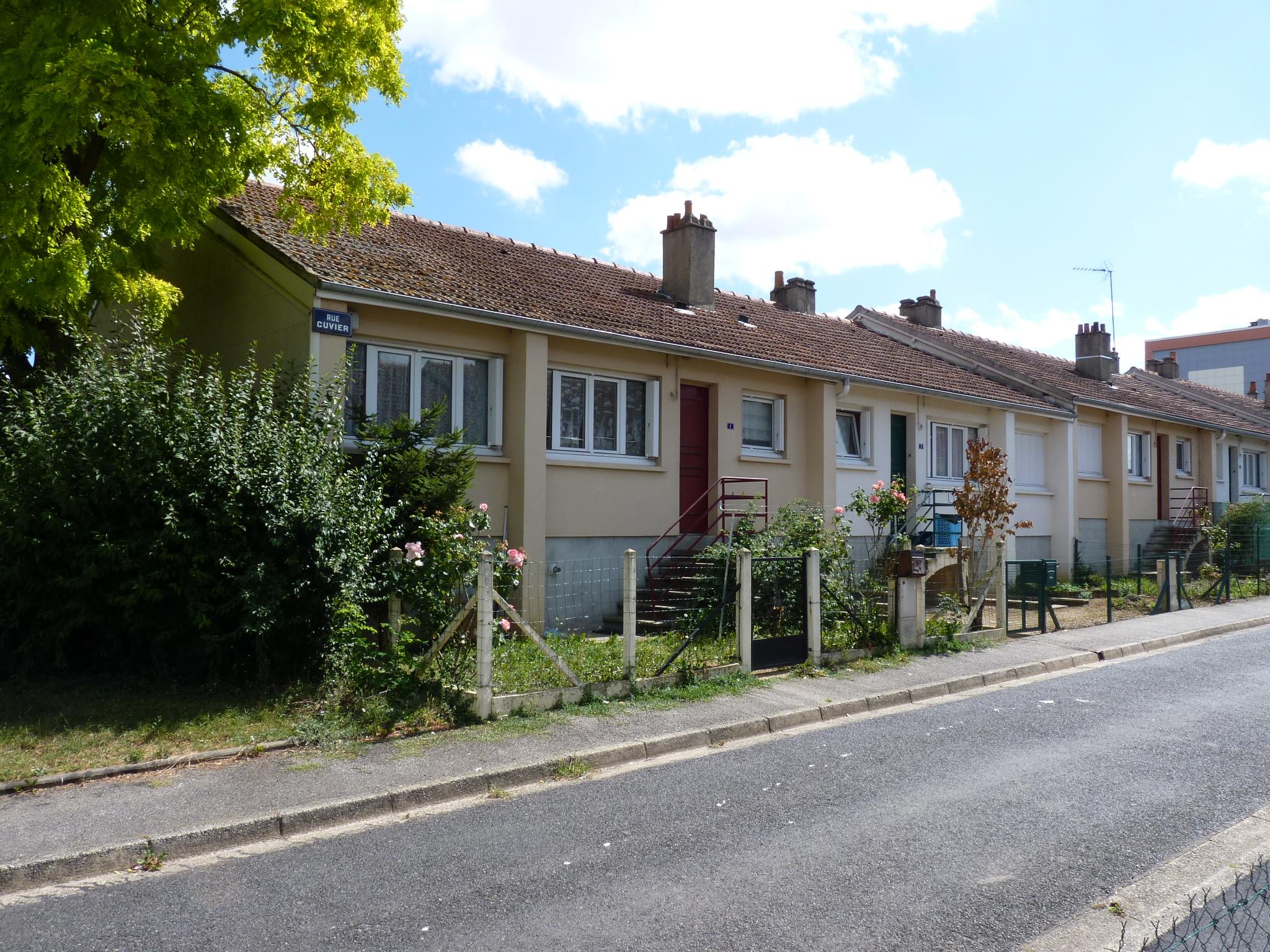 Logement alen on locataion maison t2 orne for Entretien exterieur locataire