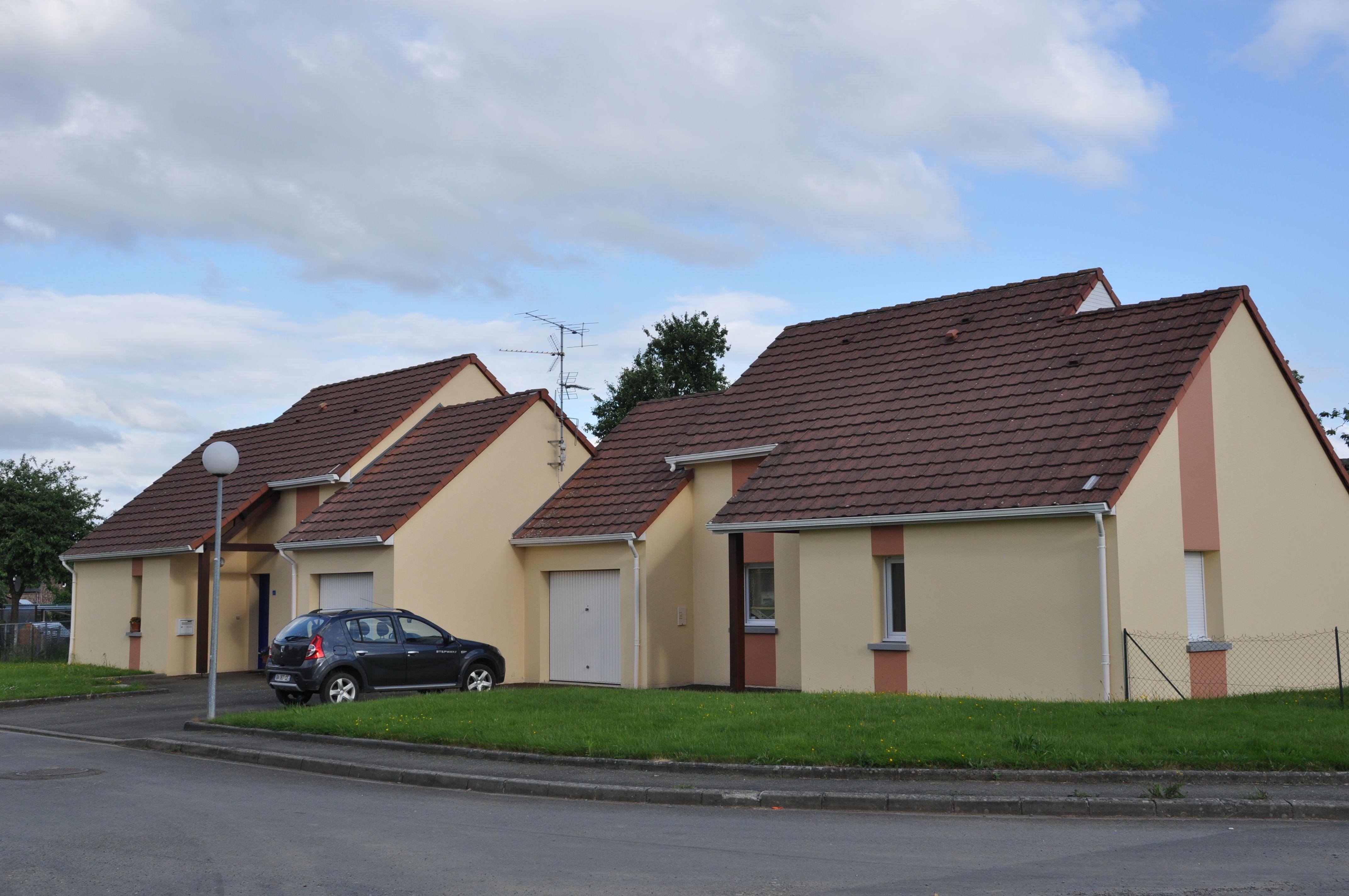 Logement domfront locataion maison t4 orne for Entretien exterieur locataire