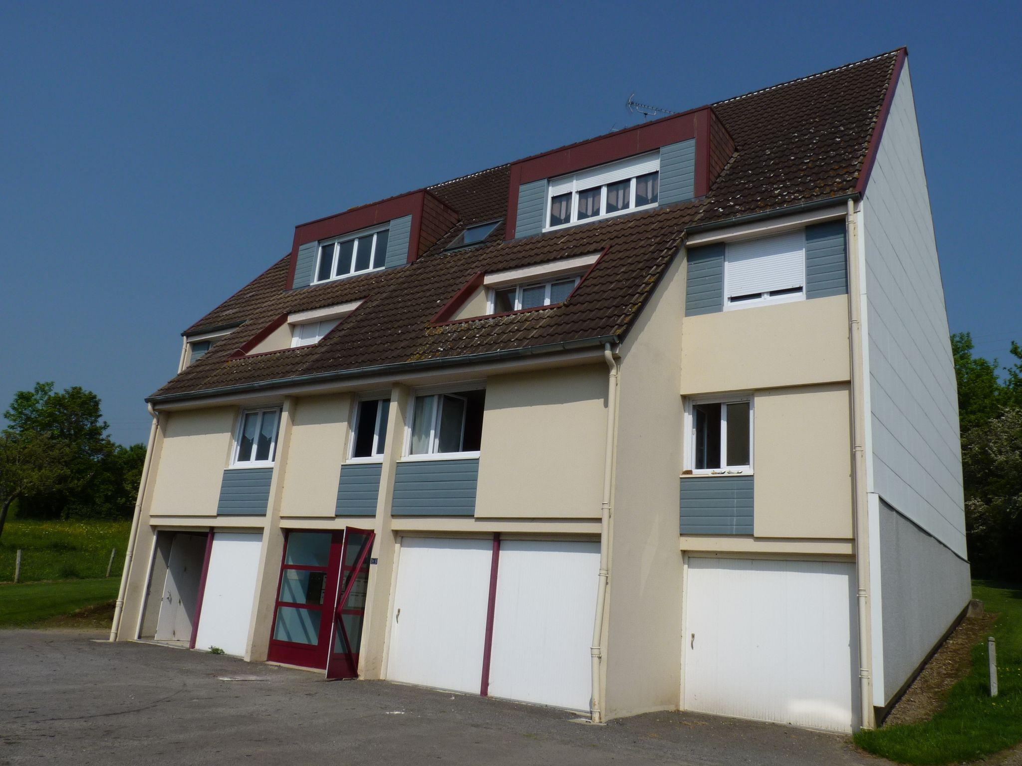 Logement montsecret locataion appartement t1 for Entretien exterieur locataire
