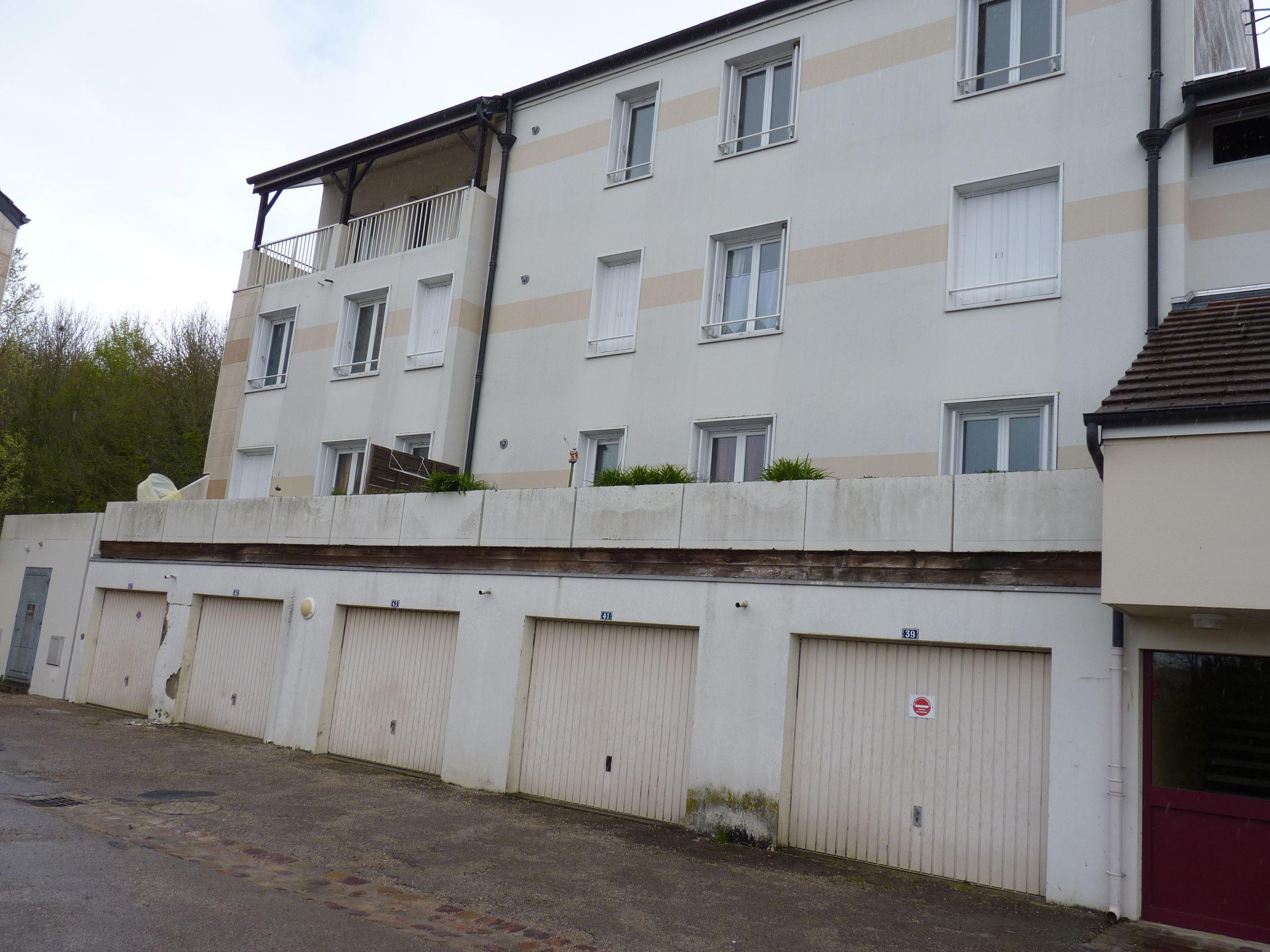 Logement vimoutiers locataion appartement t3 for Entretien exterieur locataire